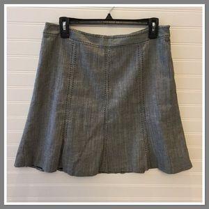 White House Black Market sz 8 gray skirt